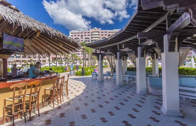 Majestic Beach Resort - Bar - 18