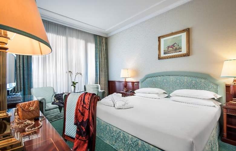 Royal Hotel Carlton - Room - 13