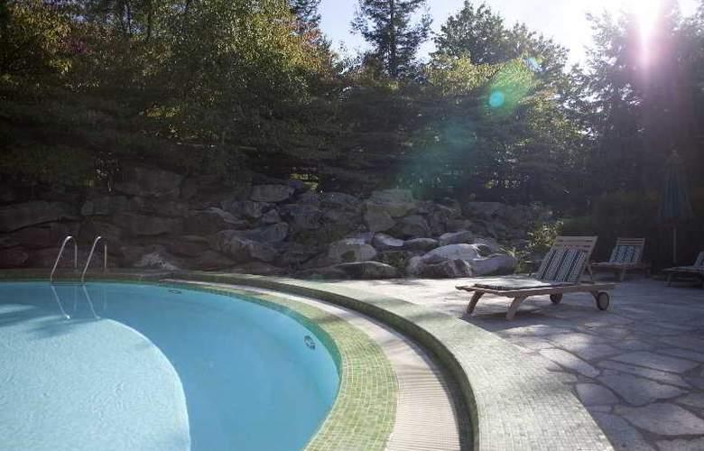 Disney's Sequoia Lodge - Pool - 7