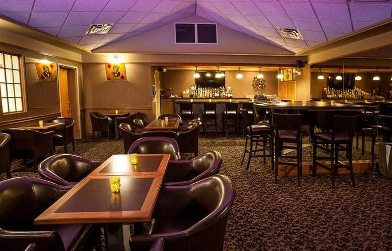 Best Western Glengarry Hotel - Bar - 88
