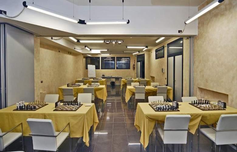 Maxim - Restaurant - 2