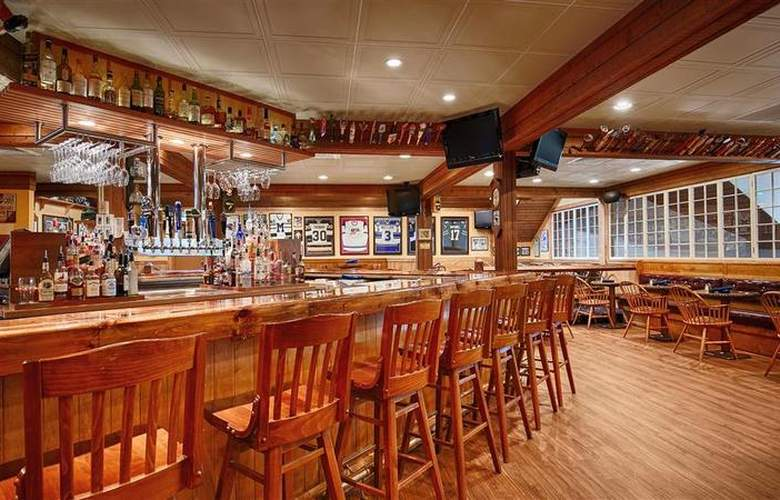 Best Western Windjammer Inn & Conference Center - Bar - 33