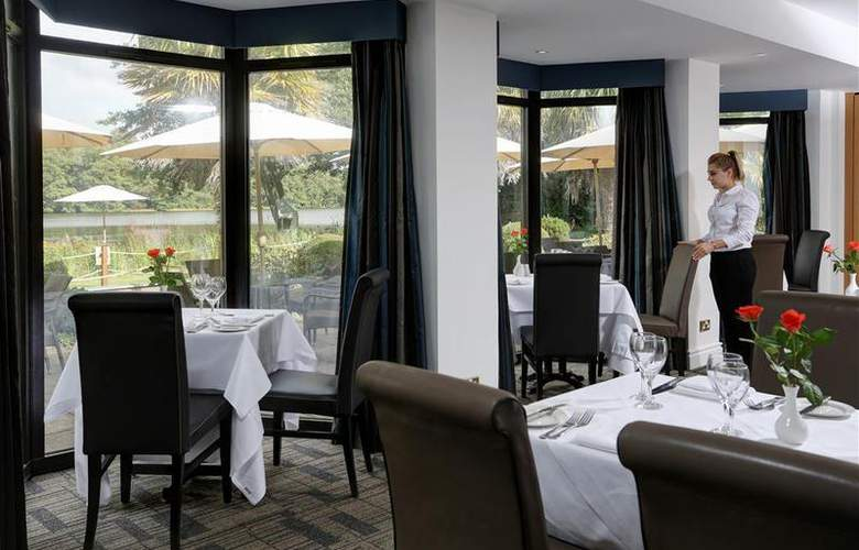 Best Western Frensham Pond Surrey - Restaurant - 35