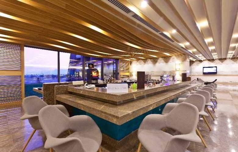 Sherwood Dreams Hotel - Bar - 18