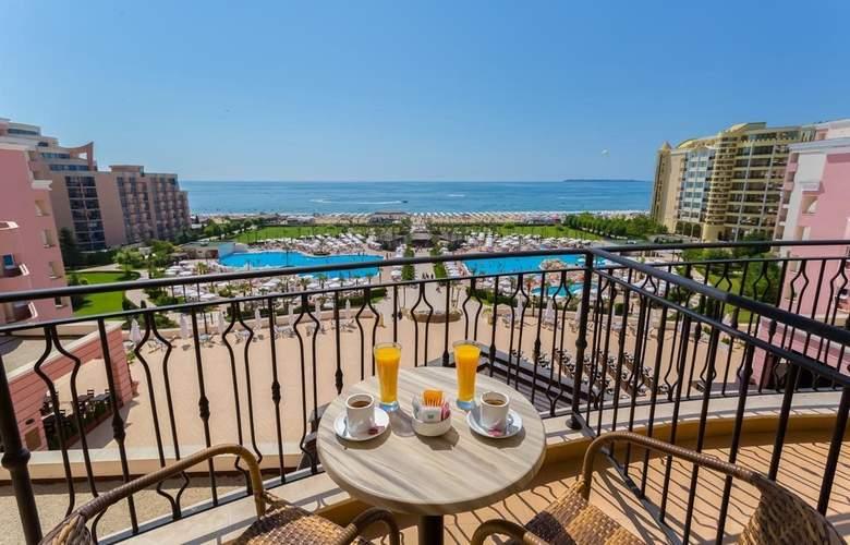 Majestic Beach Resort - Room - 10
