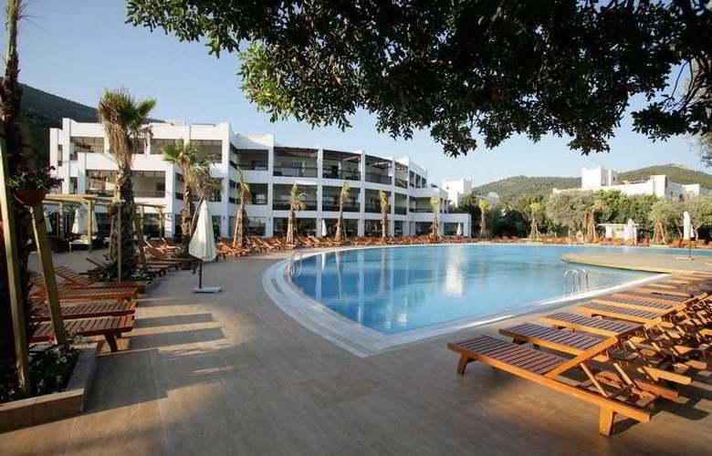Latanya Beach Resort - Hotel - 9