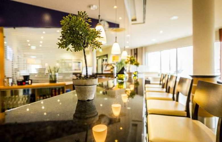 Holiday Inn Express Cologne Muelheim - Bar - 25