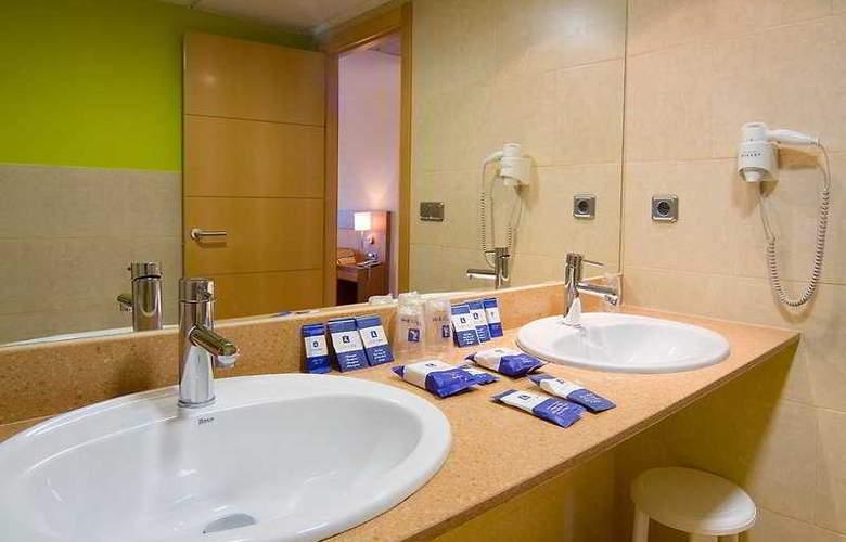 RH Casablanca Suites - Room - 8