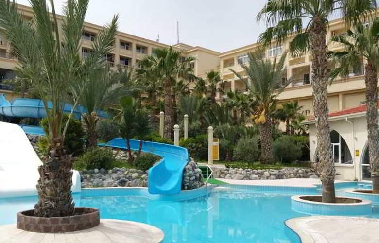 Oscar Resort - Pool - 33