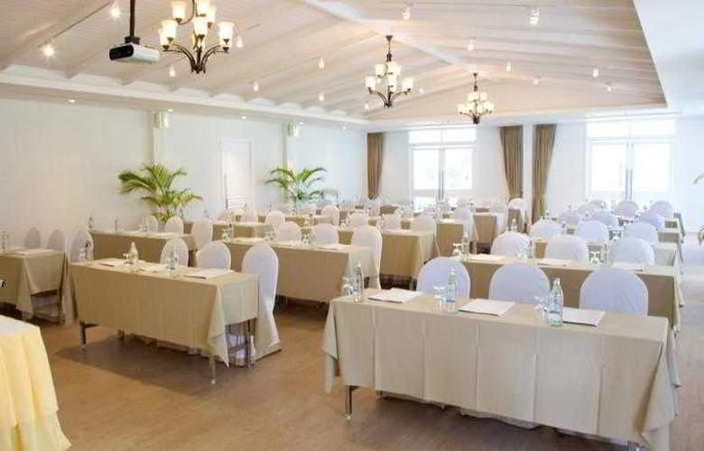 Nishaville Resort And Spa - Conference - 4