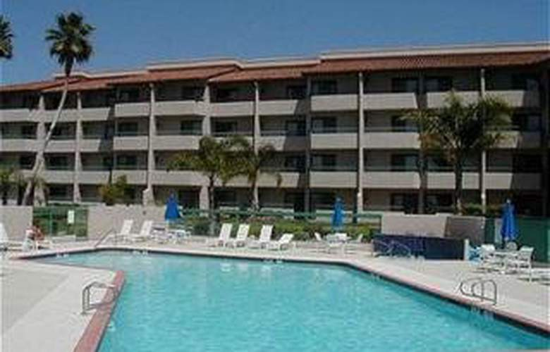 Holiday Inn Hotel & Suites Santa Maria - Hotel - 0