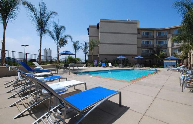 Best Western Plus Marina Gateway Hotel - Pool - 47