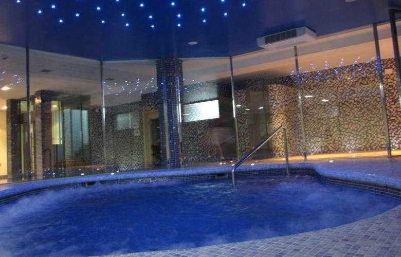 Maritimo Ris Apartamentos - Pool - 11