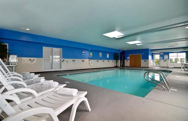 Best Western Plus Peppertree Auburn Inn - Pool - 85
