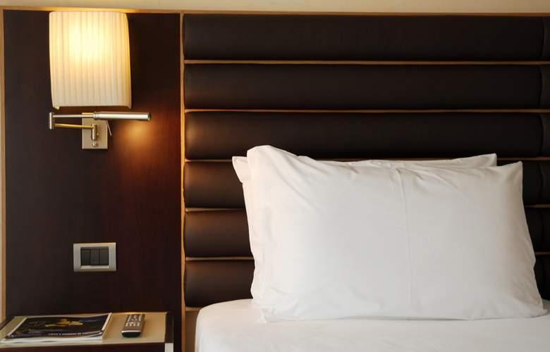 Eurostars Heroismo - Room - 7