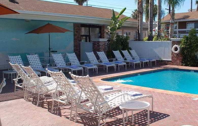 Best Western Plus Carriage Inn Sherman Oaks - Hotel - 13