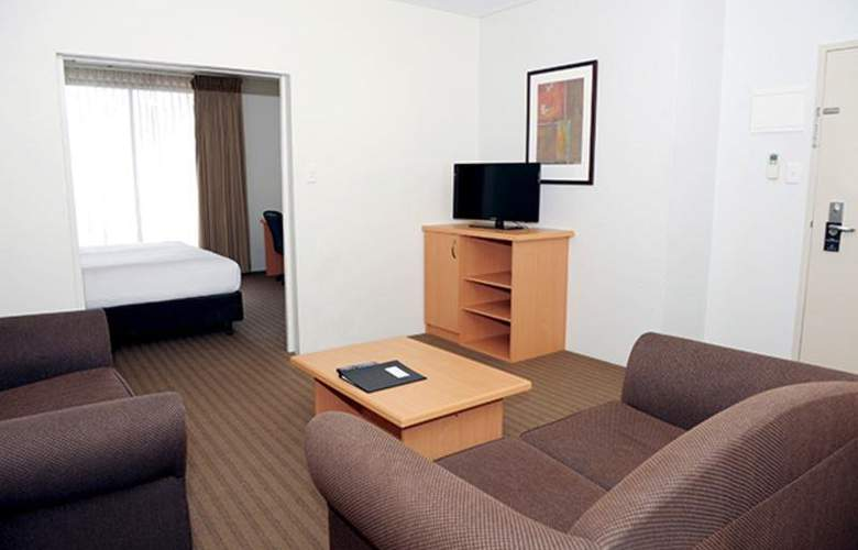 All Suites Perth - Room - 4