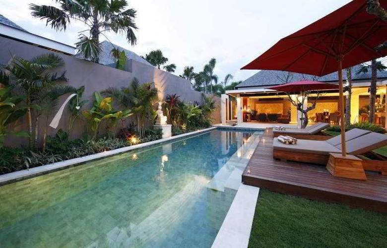 Chandra Luxury Villas Bali - Pool - 5
