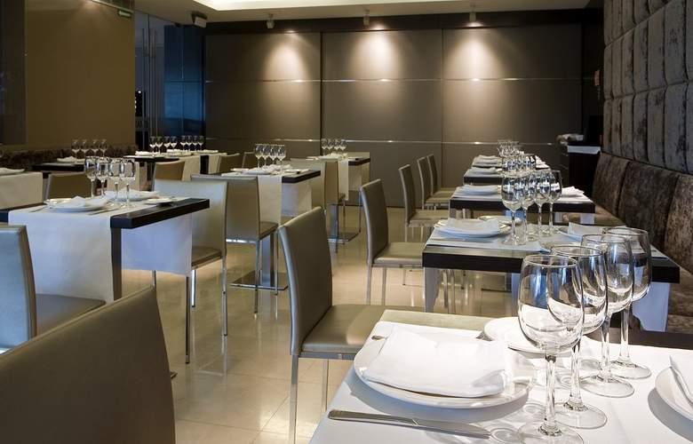 Zenit Pamplona - Restaurant - 24