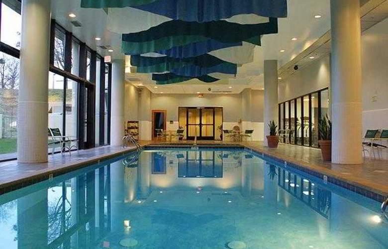 Courtyard Atlanta Cumberland Center - Hotel - 3