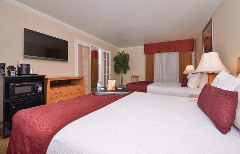 Best Western Plus Innsuites Phoenix Hotel & Suites - Room - 29