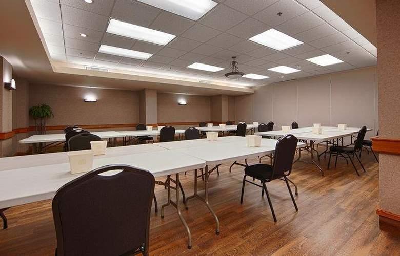 Best Western Plus Pocaterra Inn - Conference - 146