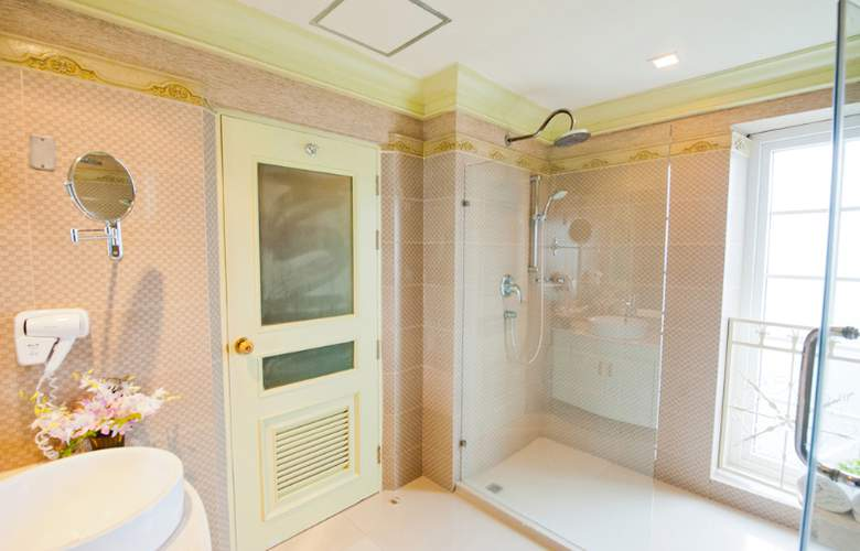 Kingston Suites - Room - 11