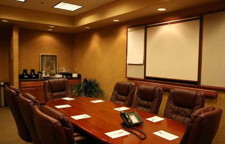 Hampton Inn and Suites Brownsville - Conference - 9