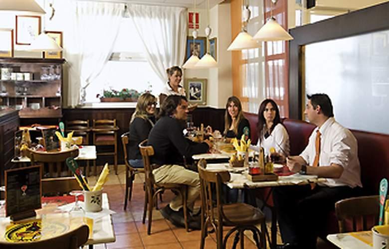 Ibis Barcelona Castelldefels - Restaurant - 5
