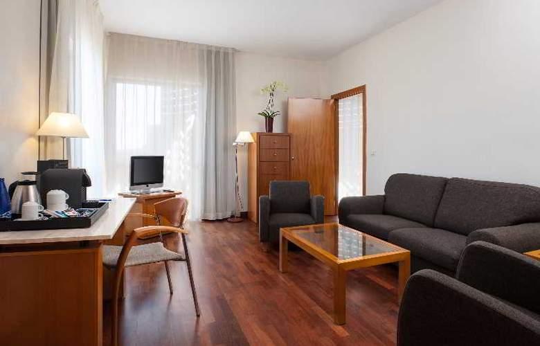 NH Luz Huelva - Room - 7