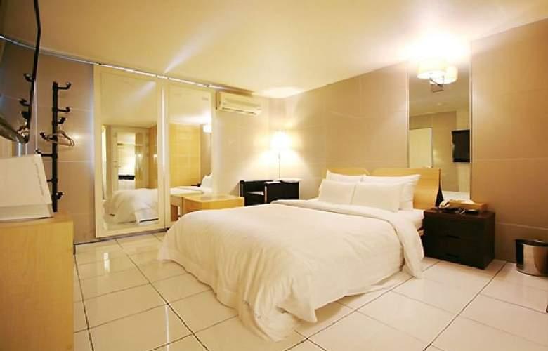 Plex - Room - 7