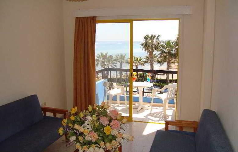 Evalena Beach Hotel Apts - Room - 1
