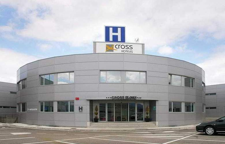 Cross Elorz - Hotel - 0