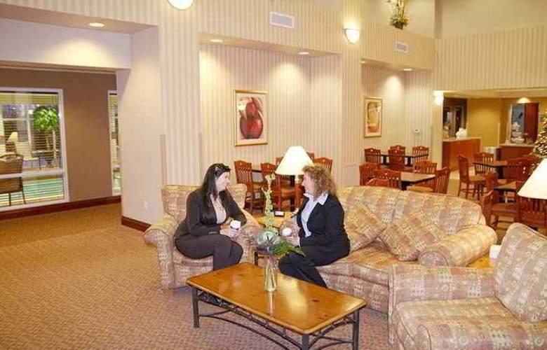 Hampton Inn & Suites by Hilton Kitchener - Hotel - 7