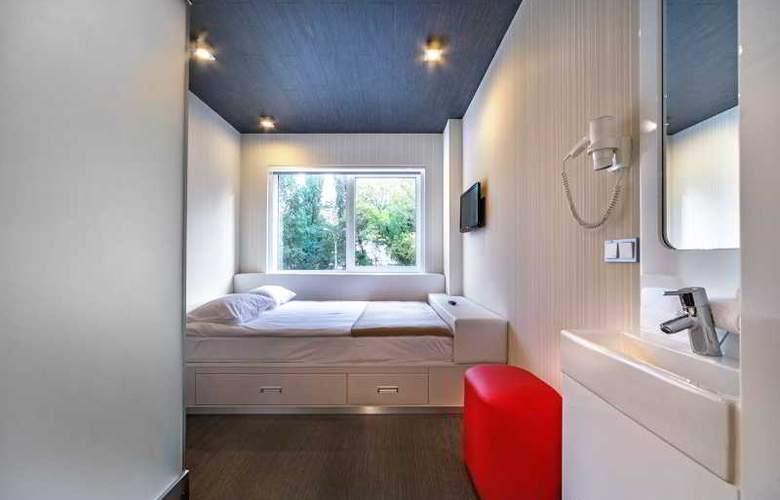 Iq Hotel - Room - 7