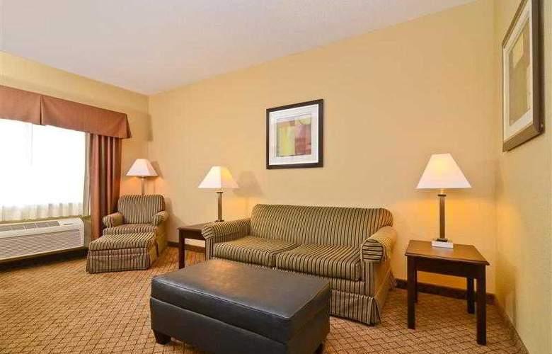 Best Western Plus Macomb Inn - Room - 34
