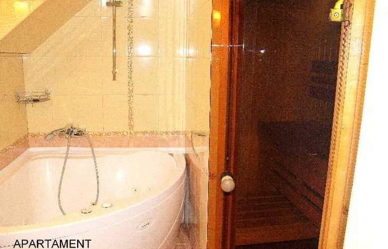 Deluxe Hotel - Room - 22
