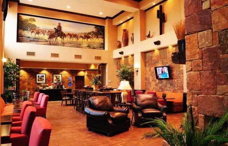 Hampton Inn & Suites Boerne - Hotel - 0