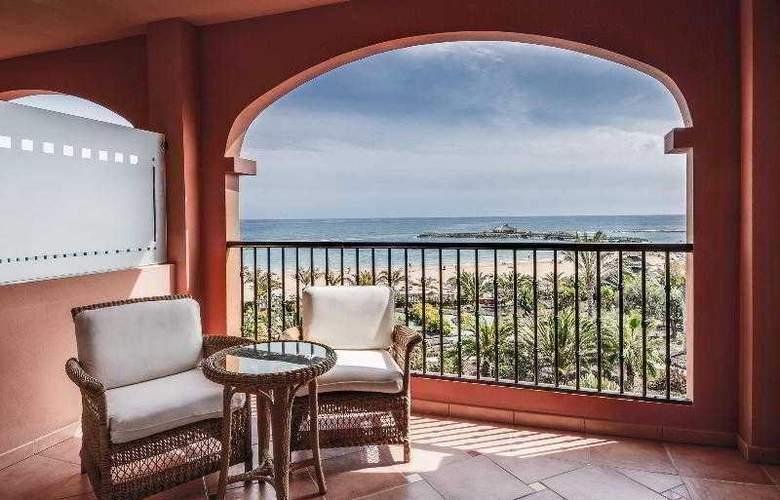 Sheraton Fuerteventura Beach, Golf & Spa Resort - Terrace - 40