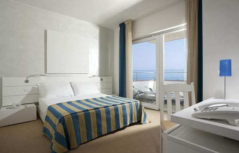 Adriatic Palace - Hotel - 3
