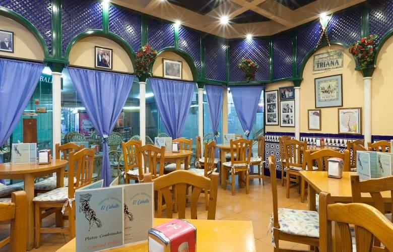 Senator Barajas - Restaurant - 14