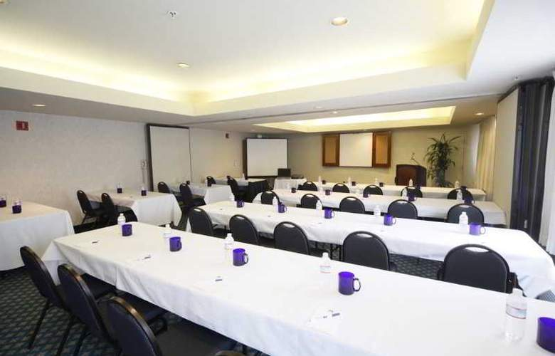 Executive Inn and Suites - Conference - 6