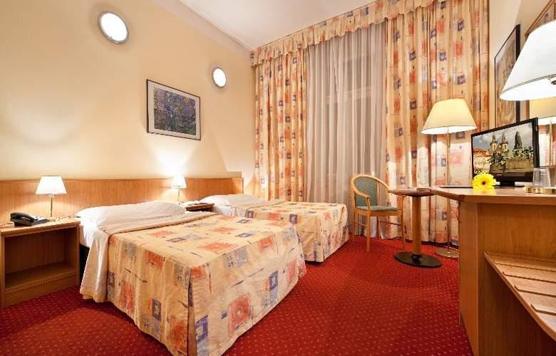 Aron Praha - Room - 2