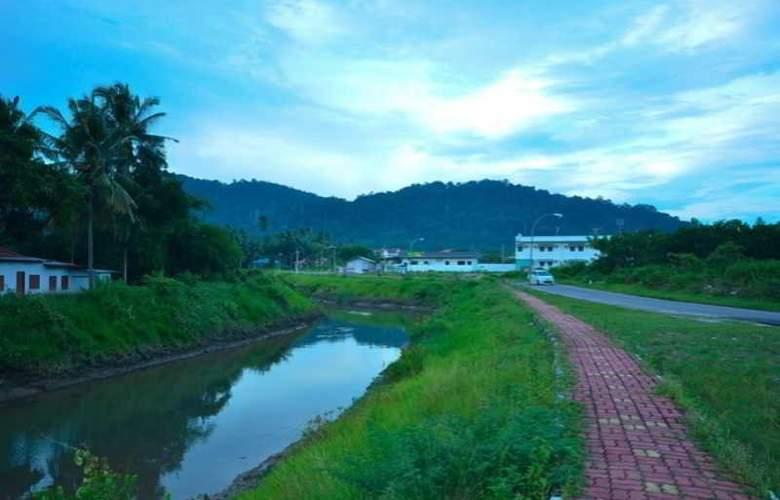 Riverra Inn Langkawi - Terrace - 15