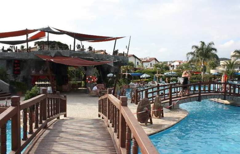 Pemar Beach Resort - Pool - 4