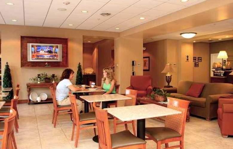 Hampton Inn Pine Grove - Hotel - 1