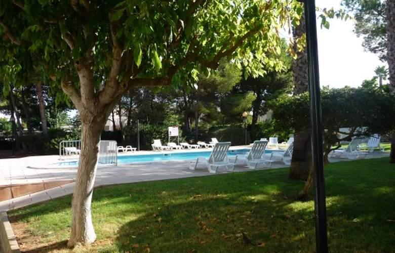 Apartamentos Llebeig - Pool - 9