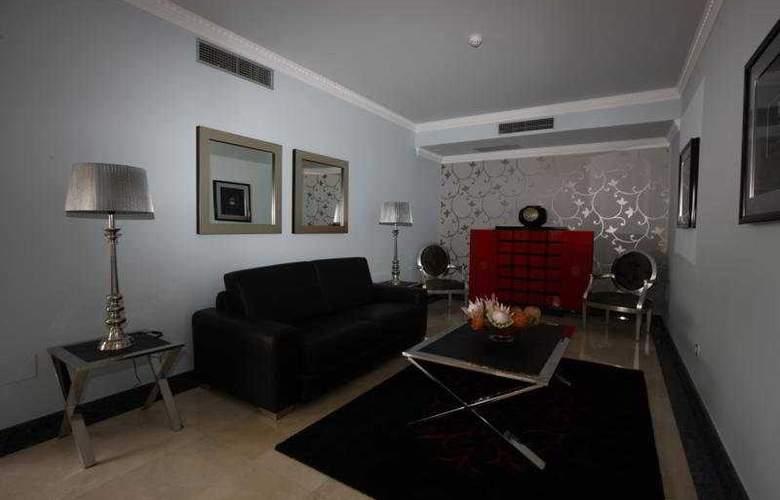 Hotel Apartamentos Baia Brava - Room - 4