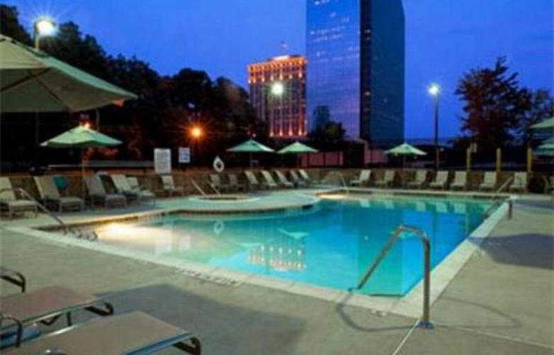 Atlanta Marriott Buckhead Hotel &Conference Center - Pool - 3