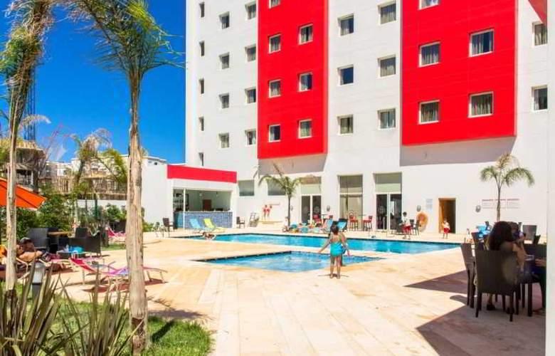 Ramada Encore Tangier - Pool - 8